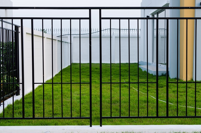 How to Choose the Best Security Fencing